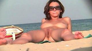 Nude Milfs Beach Voyeur Video Hidden Cam HD Part 2