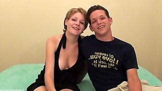 Hot young couple absolutely love to show off for the world to see!