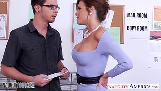 Elegant woman Veronica Avluv gets nasty yon the office